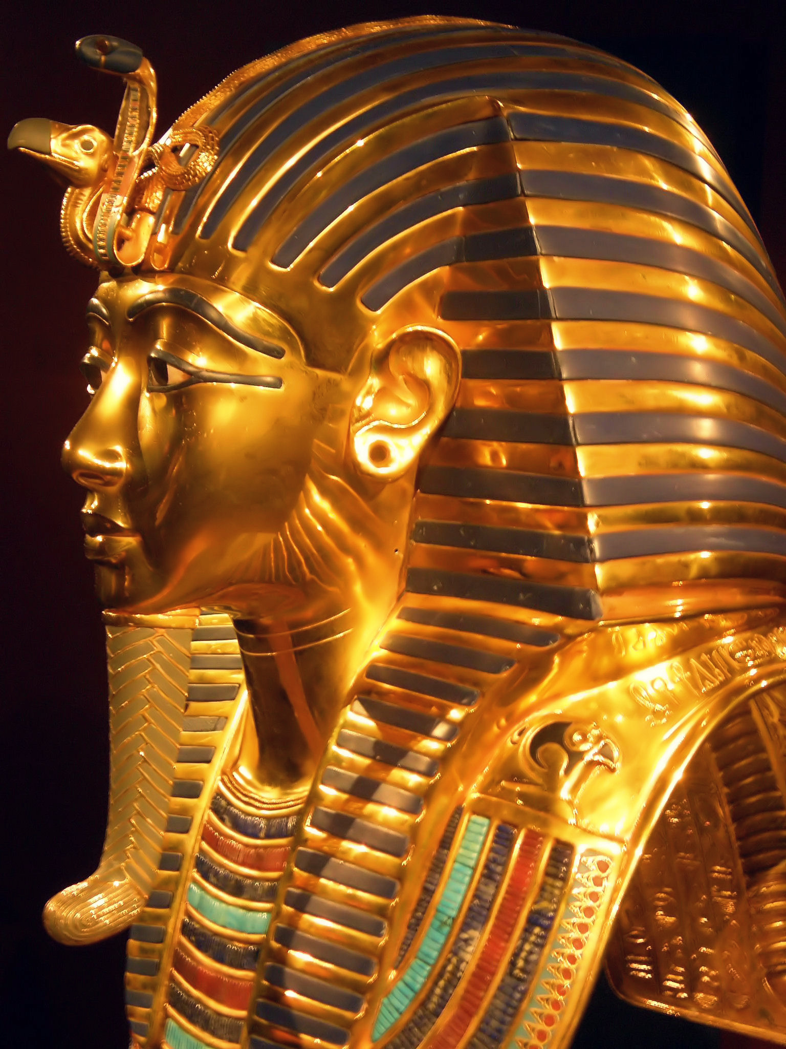 the treasures of king tutankhamun See historic discovery of king tutankhamun's tomb in colour for the first time: the treasures found within seem to have been placed there in a rush.