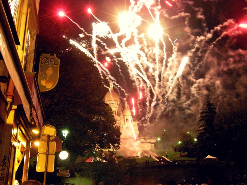 Sacre Coeur Fireworks at Monmartre Harvest Festival (Paris 2012)