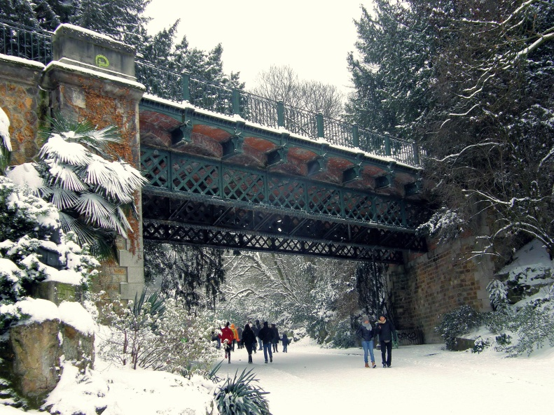 Parc des Buttes Chaumont Snowfall Paris 2013-01-20 01 by Paris Paul Prescott