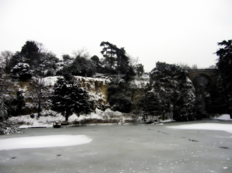 Parc des Buttes Chaumont Snowfall Paris 2013-01-20 02 by Paris Paul Prescott