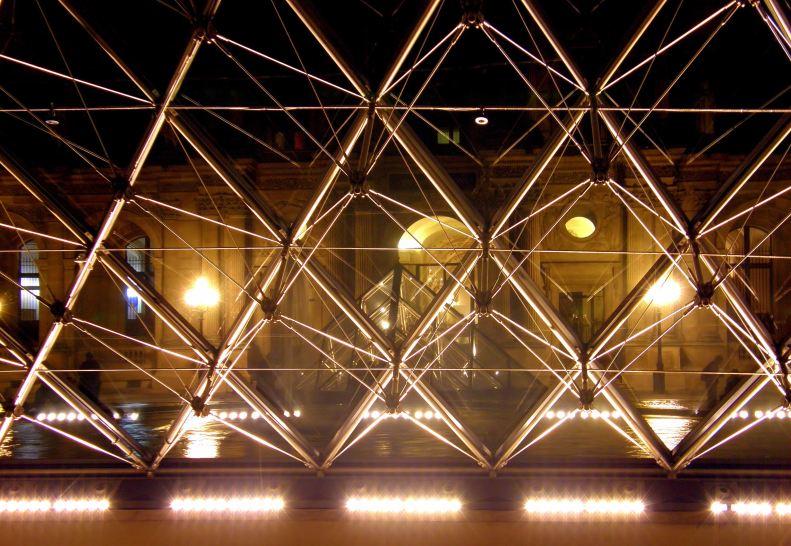 Pyramide du Louvre Pyramid 03 (Paris Paul Prescott)